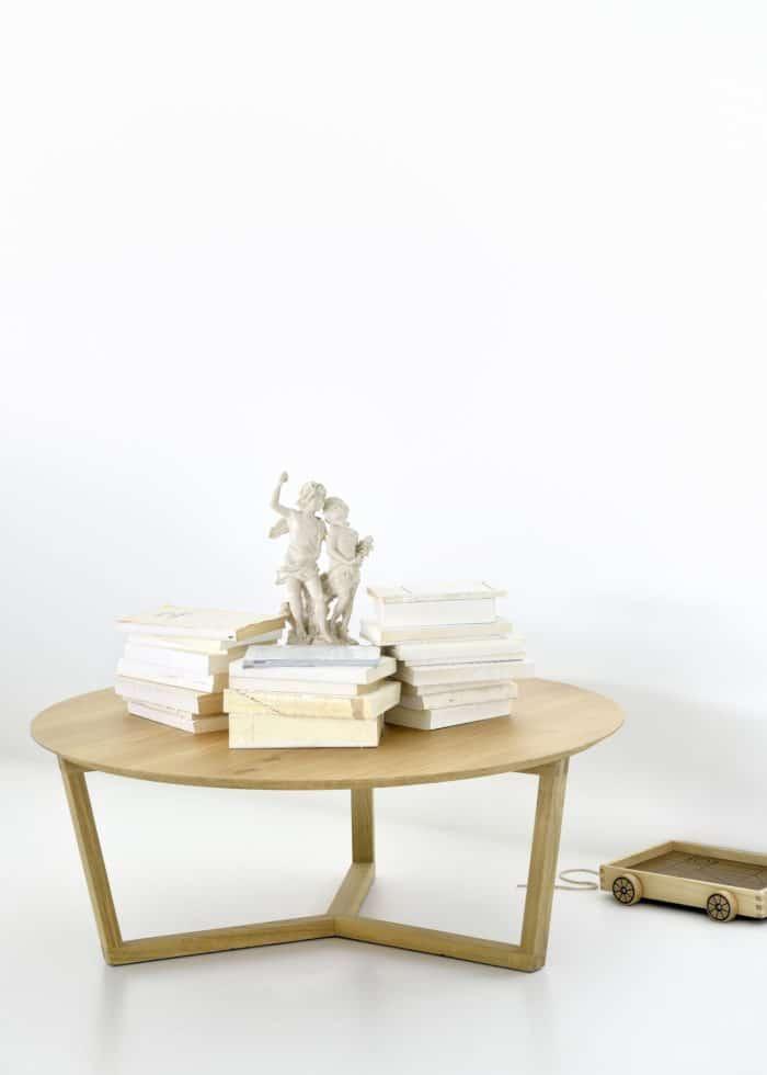 50530 Oak tripod coffee table