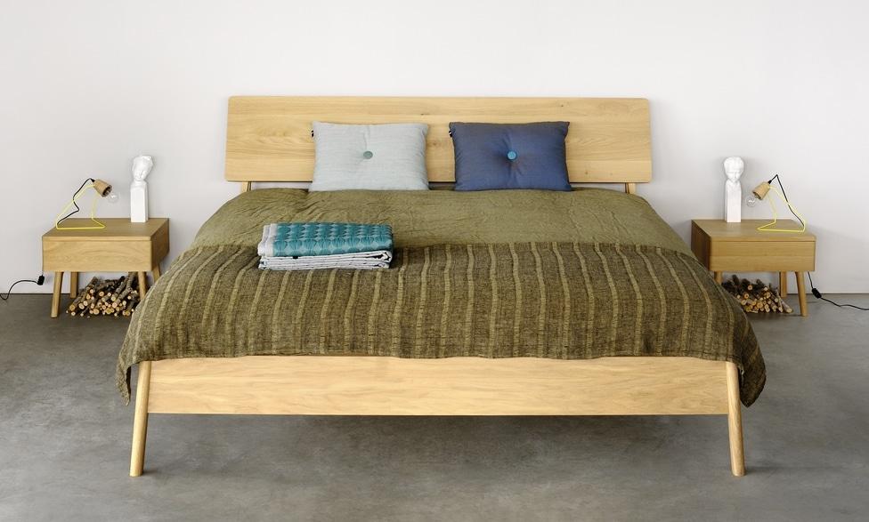 51211 Oak Air bedroom
