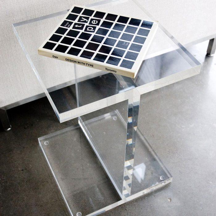 Acrylic I Beam Table02