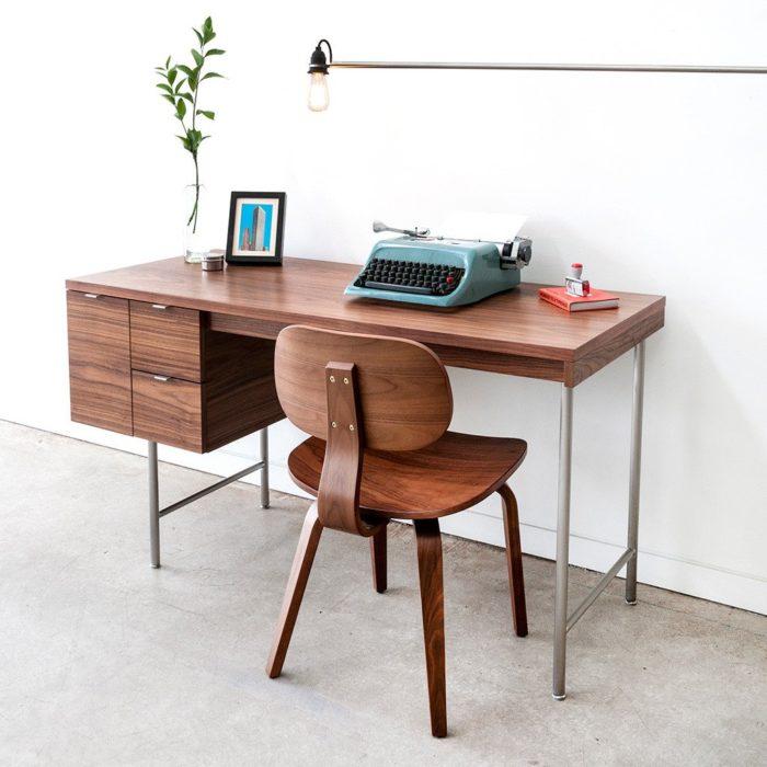 Conrad Desk02