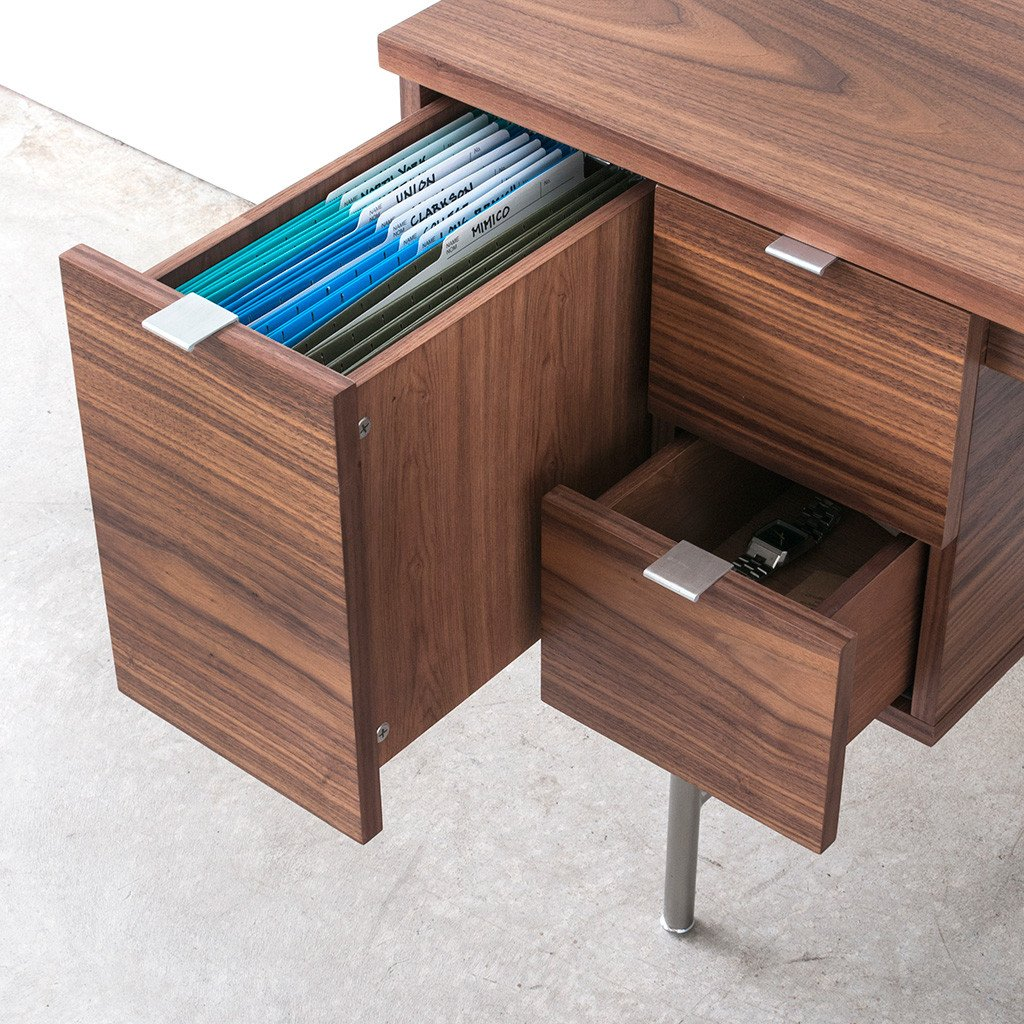 Conrad Desk04