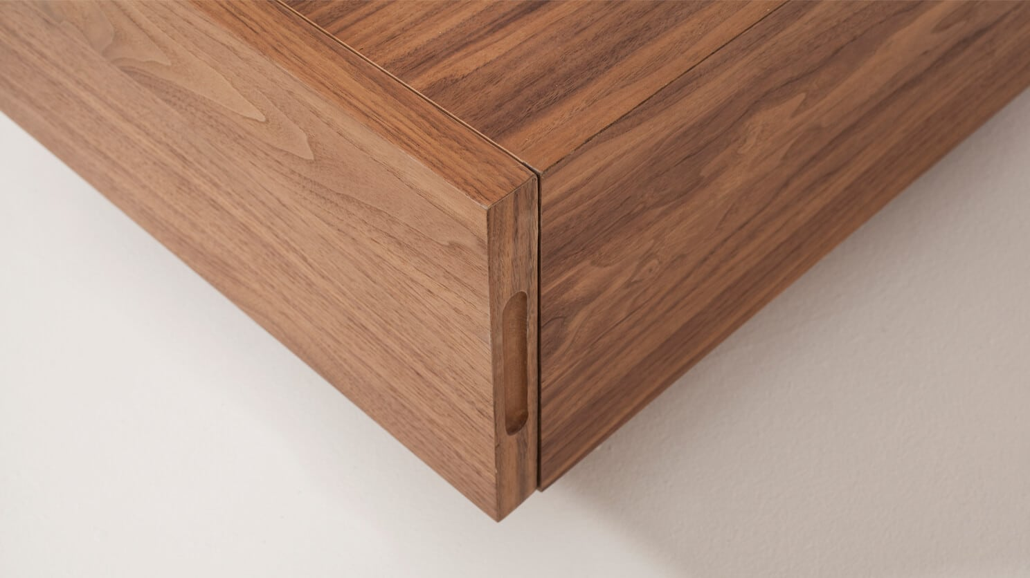 Cocktail Table Walnut Detail