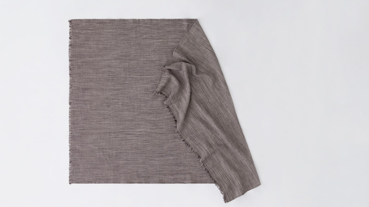 3220 9118 1 2 blankets throws linen throws black white detail 01