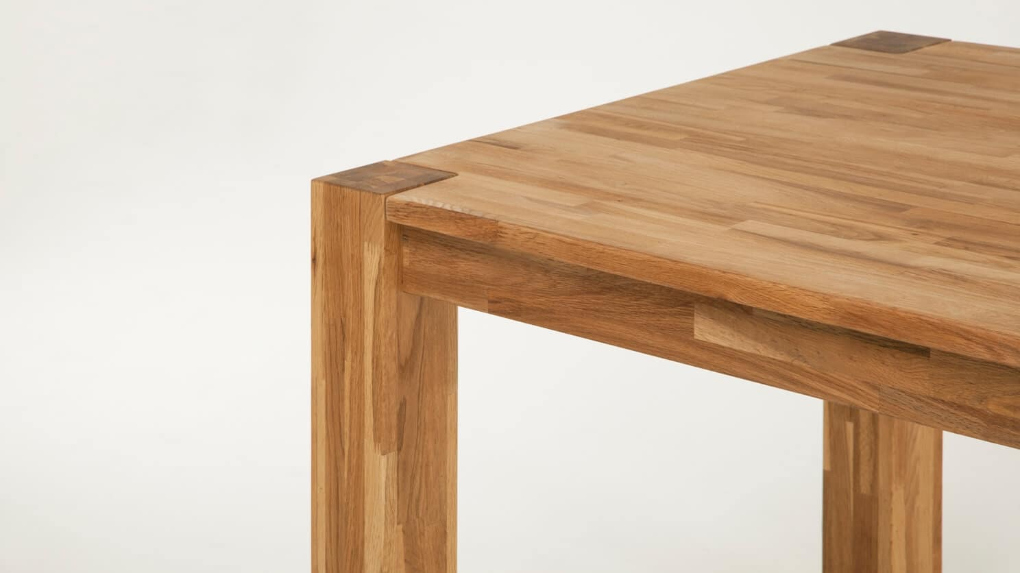 7050 347 7 dining tables harvest dining table detail 01
