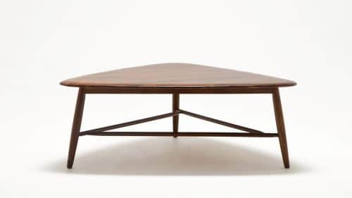 7110 031 49 2 coffee tables kacia tri coffee table front 02