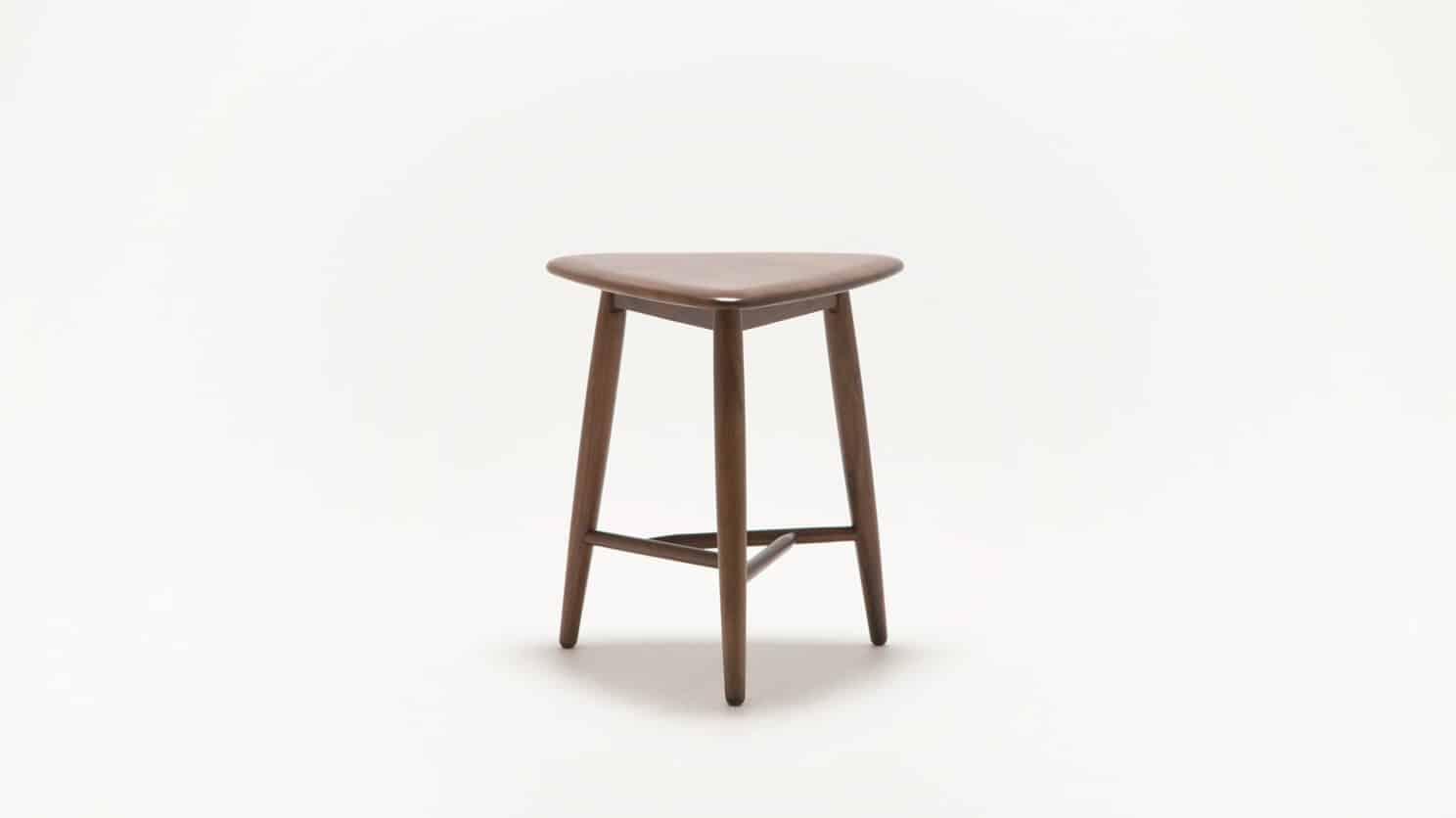 7110 090 49 2 end tables kacia end table back 01