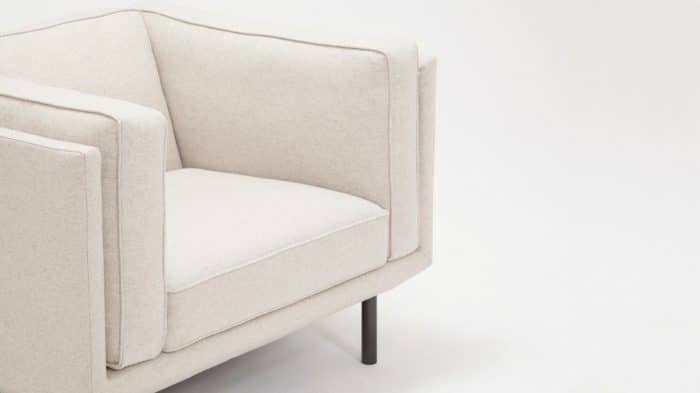 30154 02 3 chairs plateau chair feather lana sand detail 01