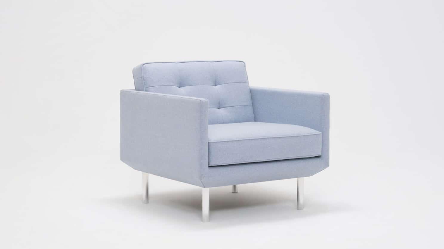30155 95 par bp 2 chairs plateau club chair foam lana light blue corner 01