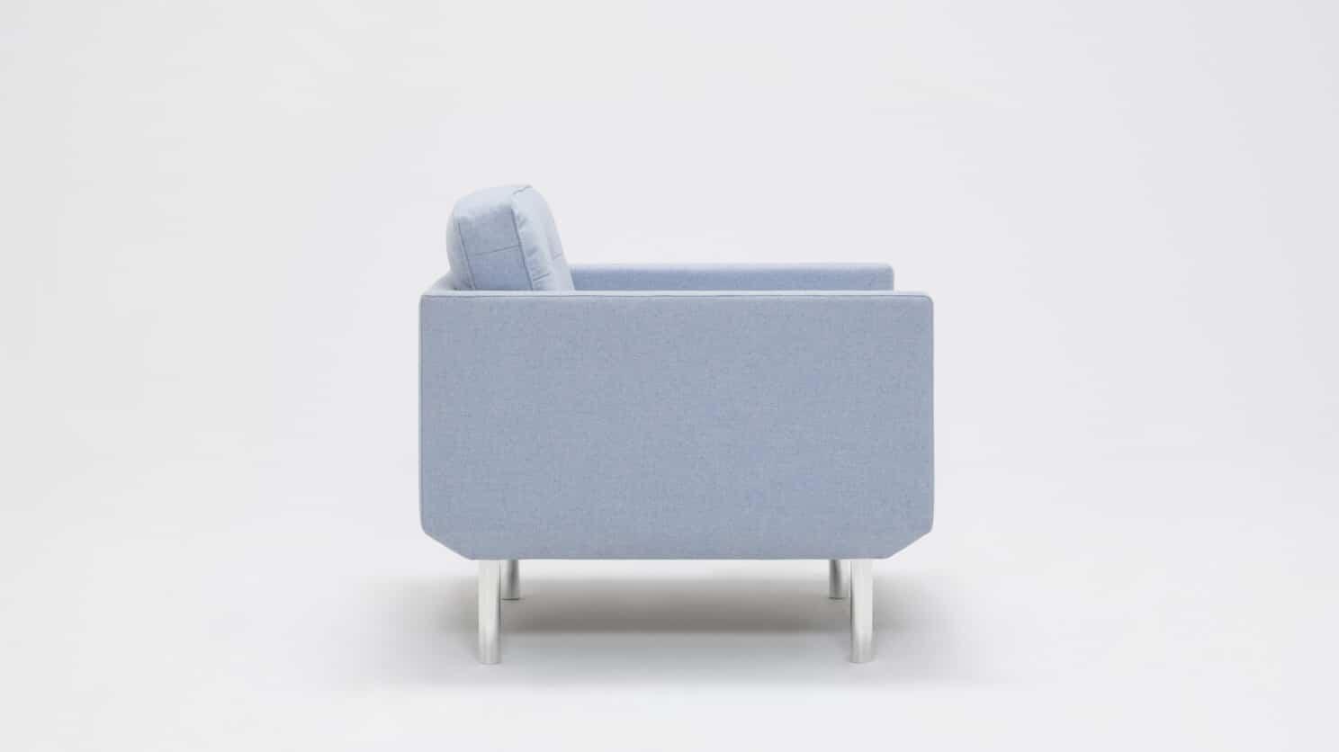 30155 95 par bp 4 chairs plateau club chair foam lana light blue side 01