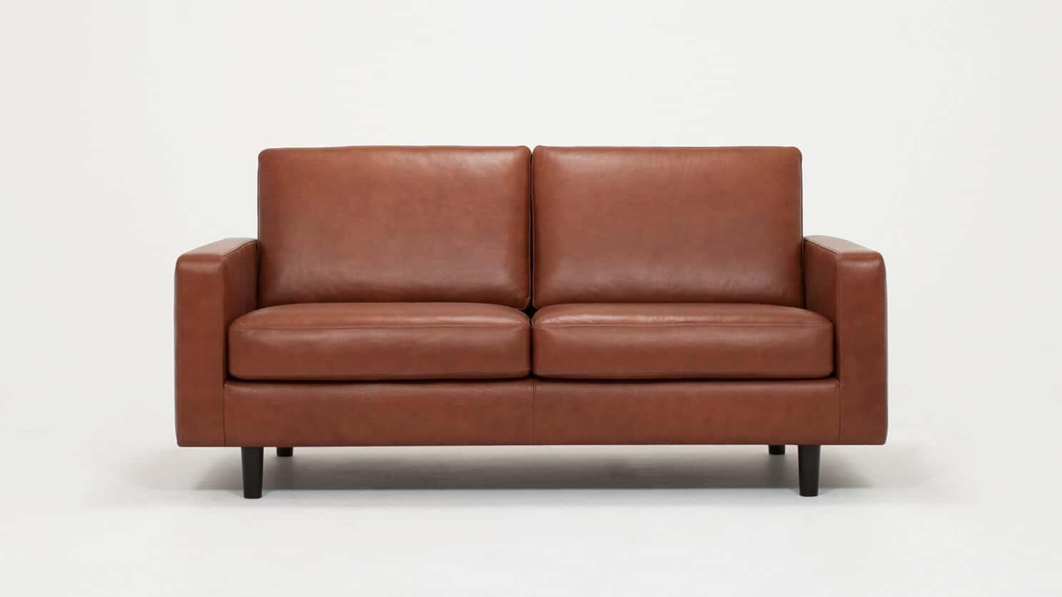 37116 03 01 loveseat oskar leather front view