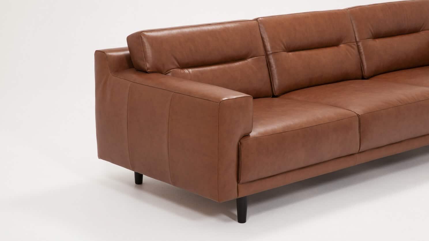 37132 s3 hp 3 sofas remi sofa classic sahara detail 01