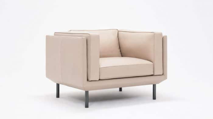 37154 02 2 chairs plateau chair feather coachella warm grey corner 01