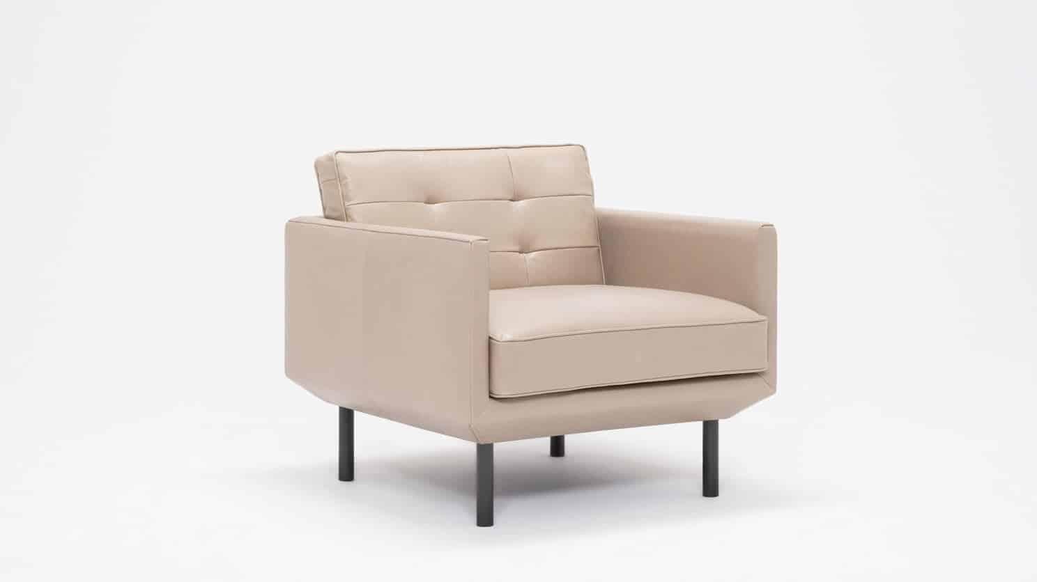 37155 95 par bp 2 chairs plateau club chair foam coachella warm grey corner 01