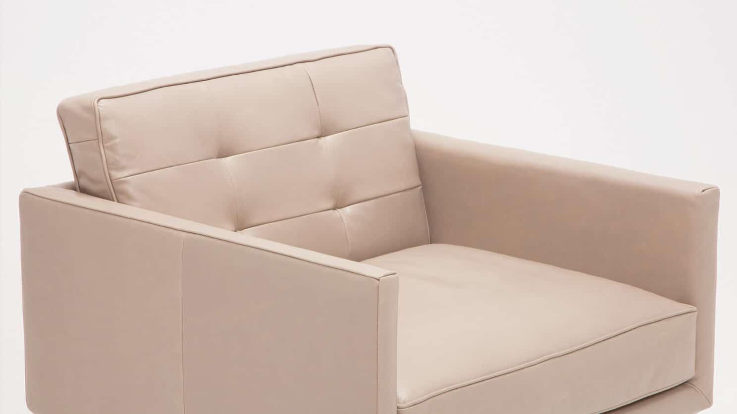 37155 95 par bp 3 chairs plateau club chair foam coachella warm grey detail 01