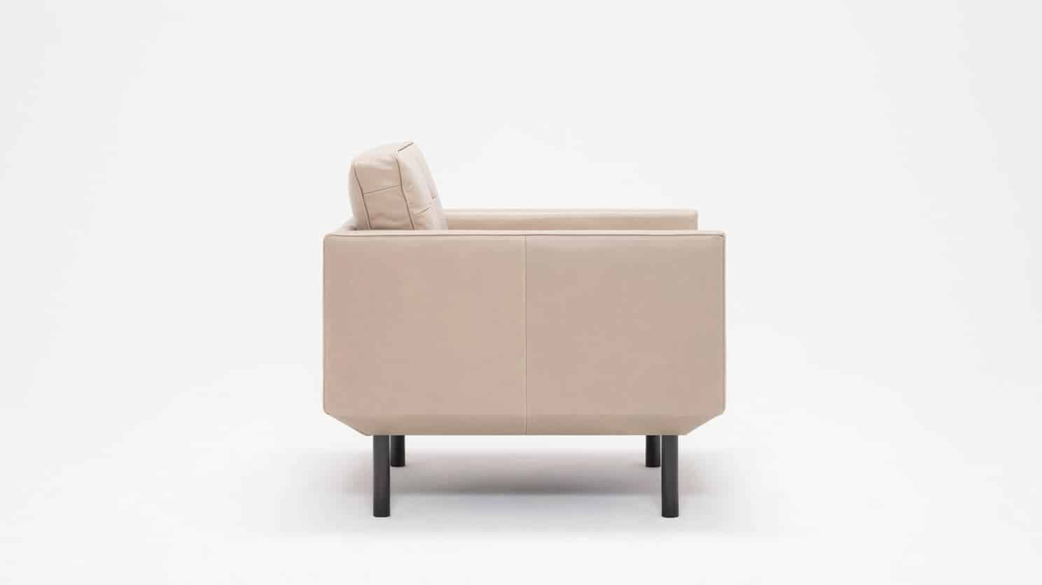 37155 95 par bp 4 chairs plateau club chair foam coachella warm grey side 01