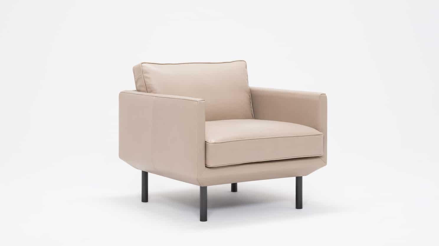 plateau club chair feather coachella warm grey corner 01