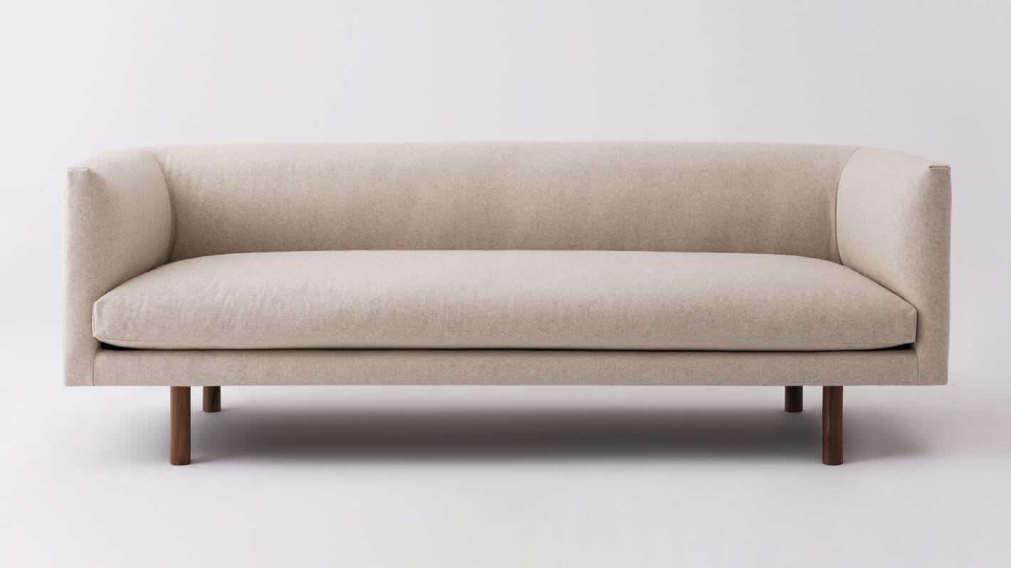 replay club sofa lana sand front 02
