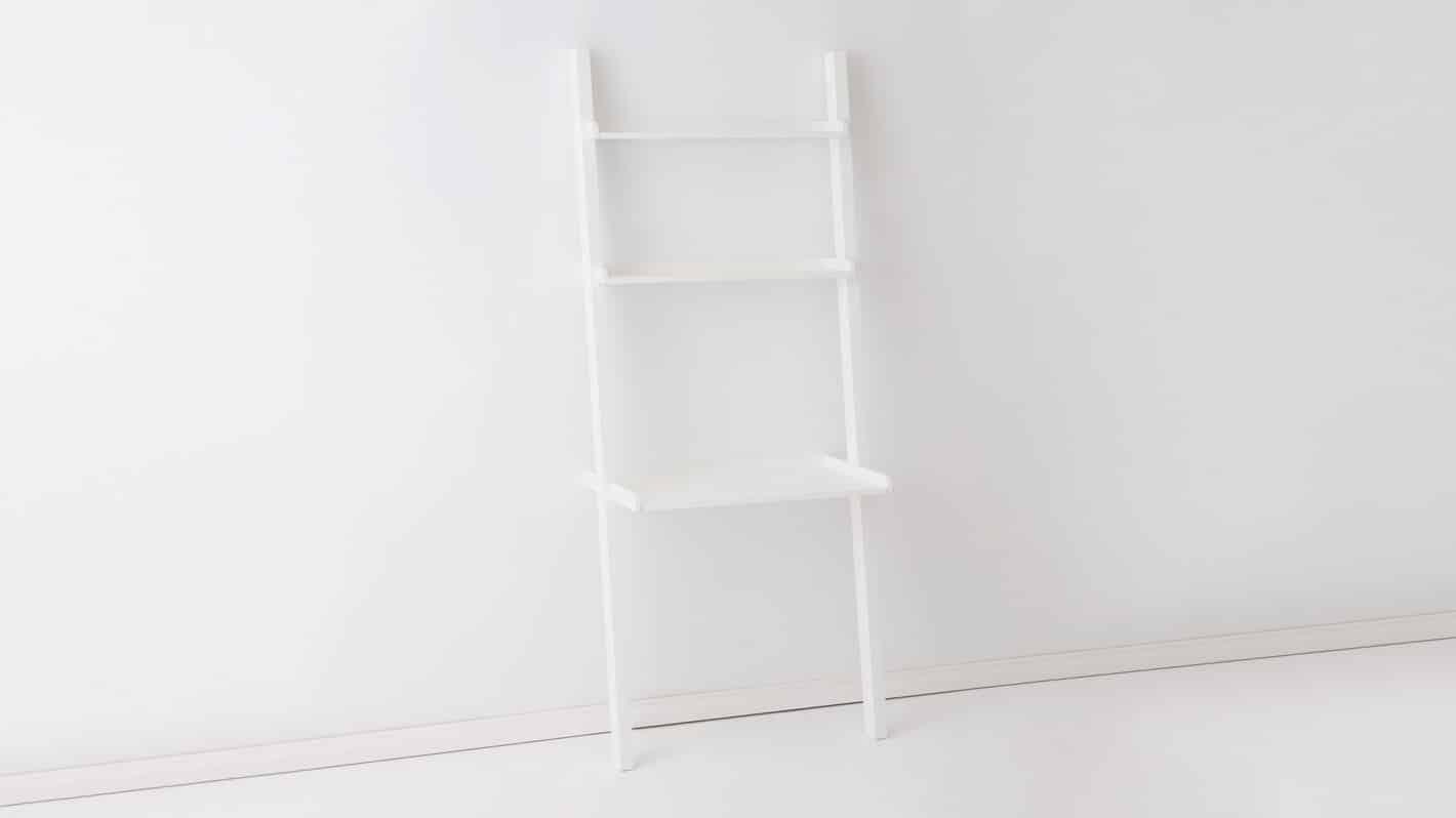 3020 522 par 5 desks asterix desk ladder white corner 01