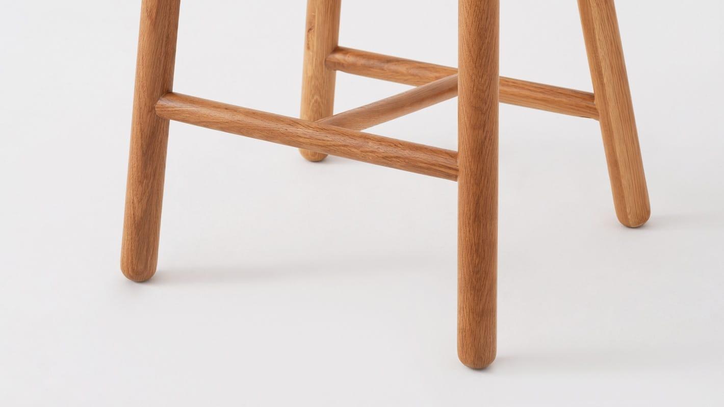 lima counter stool oak base detail 01